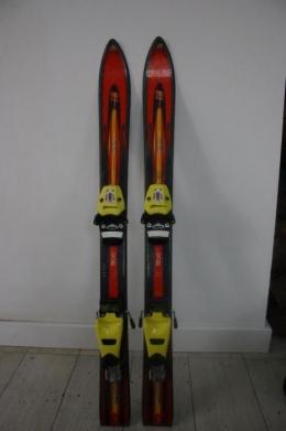 Zestaw narciarski plus kask dla 4-7 latka