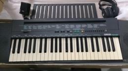 Organy keyboard YAMAHA PSR-100. Polecam.