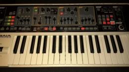 ROLAND SH-01 GAIA - Syntezator, stan jak nowy!