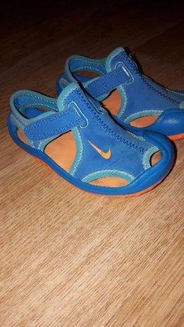 Sandały Nike rozm. 23.5