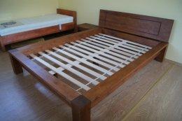 Drewniane łóżko Viktoria 200x200 ze stelażem ( bez szafek nocnych )