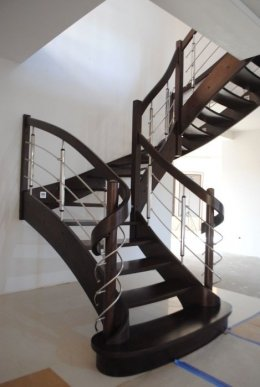 Schody drewniane zabiegowe dębwe bukowe jesionowe metal szkło
