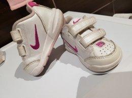 Nike buciki rozm. 18