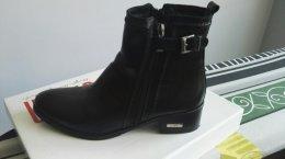 Sprzedam nowe buty SIMEN w kolorze czarnym