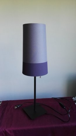 Sprzedam nowoczesną lampe stołową