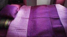Sprzedam nową narzutę i poduszkę na łózko w sypialni
