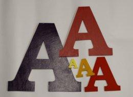 Malowane litery i napisy ze sklejki