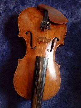 Piękne skrzypce z przełomu XIX i XX wieku. Gratis nowy futeral (250zl)