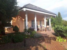 Komfortowy dom z pięknie zagospodarowanym ogrodem!