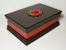 Korale w szkatułce Goth Victorian prezent