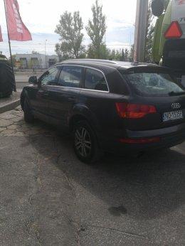 Sprzedam Audi Q7
