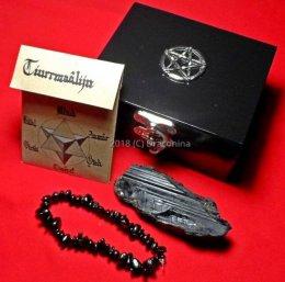 Zestaw szkatułka z minerałem turmalin z bransoletką nr 5 prezent