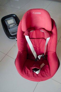 Maxi Cosi Pearl - fotelik czerwony, w pełni sprawny